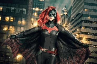 Batwoman, Ruby Rose è la prima supereroina lesbica della tv – prima immagine ufficiale