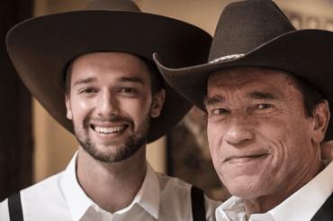 Patrick Schwarzenegger, è in mutande il figlio di Arnold – la foto social