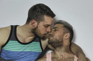 Roger Duplease, nudo social per il fidanzato di Lorenzo Balducci – foto