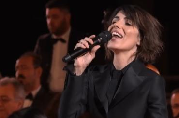 Giorgia incanta il Duomo di Milano con l'Ave Maria di Shubert, i video