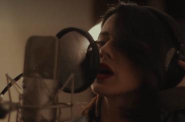 Ridi di Paola Iezzi, il live acustico – video