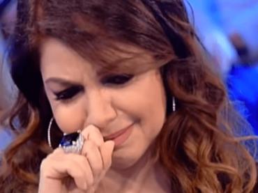 Cristina D'Avena, medley e inedite lacrime a Vieni da me – il video