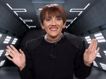 Lucia Ocone è Pixelia, l'esilarante (e inquietante) sketch a La Tv delle Ragazze – video