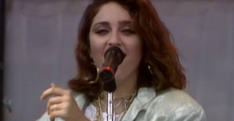 Madonna, QUEEN, Bowie ed Elton John: Live Aid pubblica i memorabili live del 1985 su Youtube – VIDEO