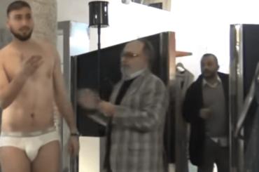 GIGIO DONNARUMMA in mutande a Le Iene, lo scherzo – il video