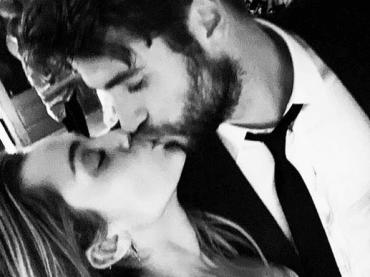 Miley Cyrus conferma il matrimonio con Liam Hemsworth, le foto social