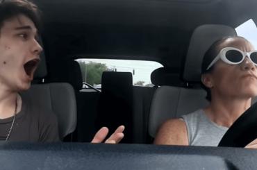 Colin O'Leary e i musical in auto con la madre, il mash-up è un capolavoro – video