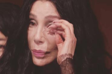 CHER premiata con il Premio Kennedy – strepitoso omaggio LIVE di Adam Lambert e Cyndi Lauper – video