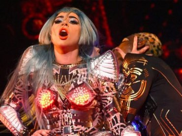 Enigma, Lady Gaga live con SHALLOW a Las Vegas – video e scaletta