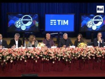 Sanremo 2019, presentati i conduttori Virginia Raffaele e Claudio Bisio