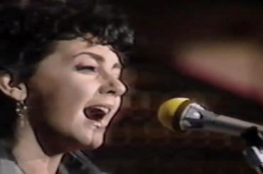 Sanremo 2019, – 25 giorni: ricordiamo  Fiordaliso con Oramai – video