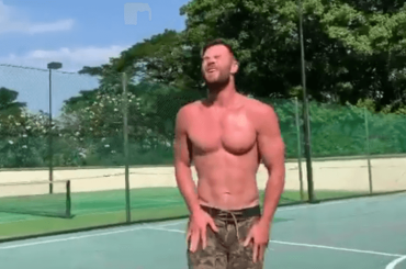Chris Hemsworth gnocco e sudato, allenamento monster sui social – il video