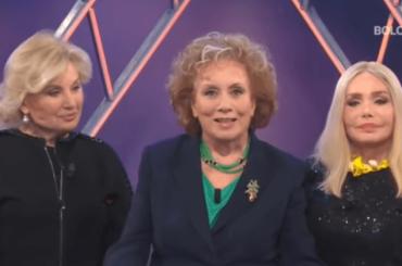 """Le """"Signorine Buonasera"""" raccontano la festa di Nicoletta Orsomando  – video"""