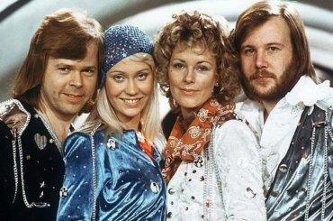 ABBA, arrivano 5 inediti e un tour olografico
