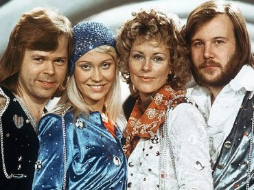 Sanremo 2021, Amadeus vuole gli ABBA al Festival