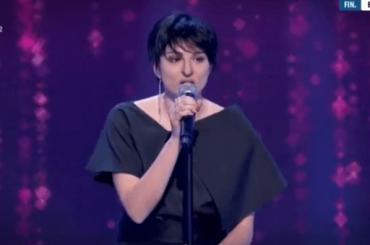 Brenda Lodigiani è Arisa con la febbre a Quelli Che, il video dell'imitazione