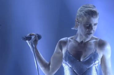 Robyn live da Ellen con 'Ever Again' – video