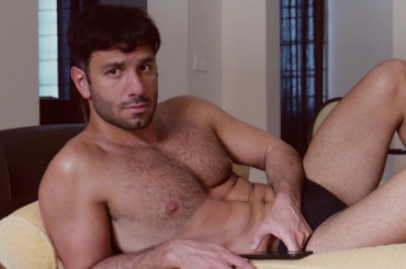 Jwan Yosef, il marito di Ricky Martin gnocco in costume – le foto social
