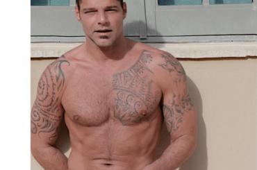 Ricky Martin da sturbo in boxer, la foto social