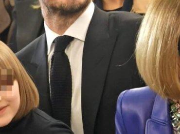 Victoria Beckham, la figlia Harper alla sfilata con il caschetto di Anna Wintour – foto e video