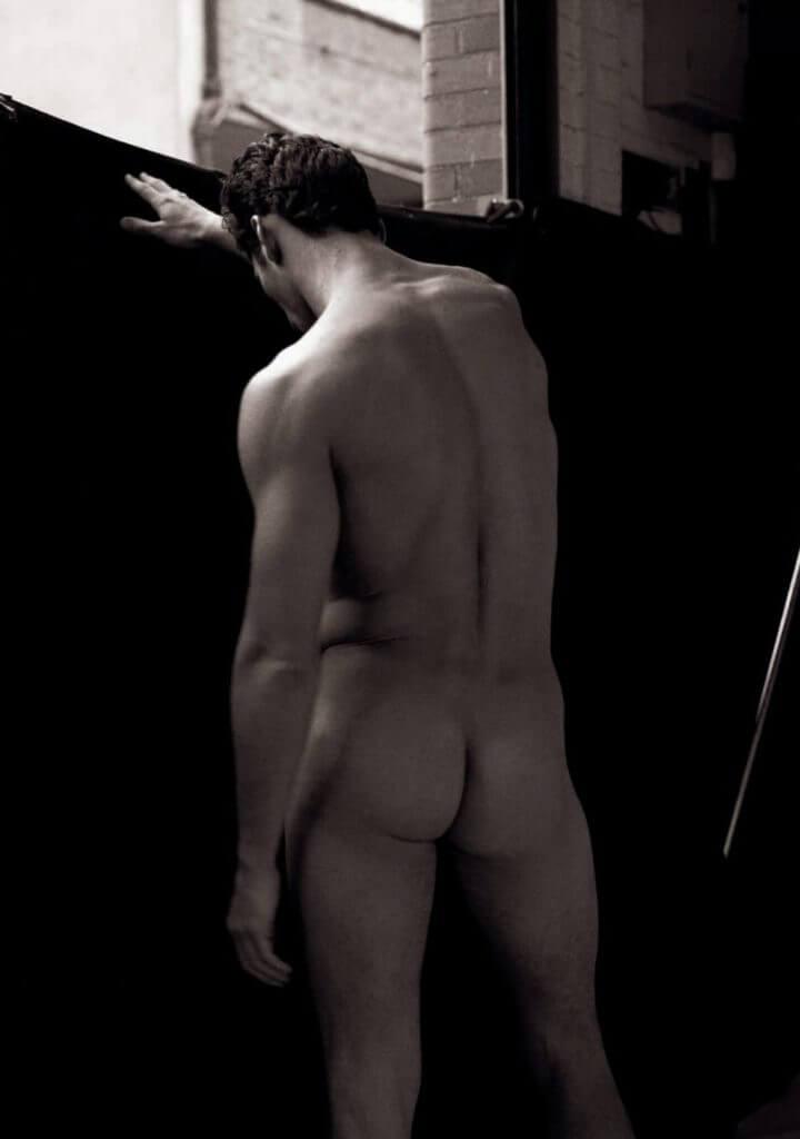 Фотки голых парней со спины