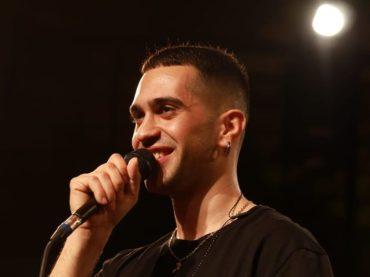 Mahmood in concerto per Radio2 Live, il video per intero