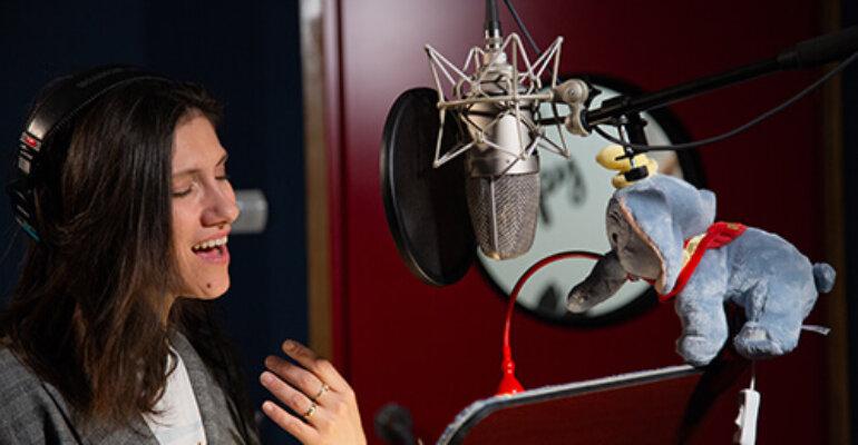 Dumbo, Elisa doppiatrice canterà BIMBO MIO nei titoli di coda – video