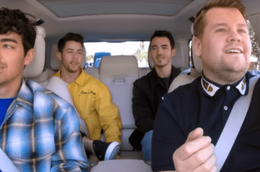 Jonas Brothers, Carpool Karaoke con James Corden e primo live di Sucker – il video