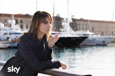 PAOLA CORTELLESI è la detective Petra Delicato, arriva la miniserie SKY diretta da Maria Sole Tognazzi