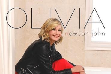 Olivia Newton-John e la lotta contro il cancro, 'ogni giorno è un regalo ma intendo rimanere qui per ancora molto tempo'