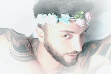 E' PRIMAVERA, la parodia gay di Daniel Greco – video
