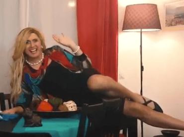 Lorella Sovranini canta IO STIRERO', sigla parodia per il Congresso della Famiglia