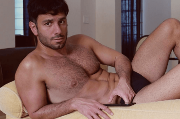 Jwan Yosef in costume, le foto social del marito gnagno di Ricky Martin