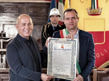 Ferzan Ozpetek cittadino onorario di Napoli: 'mi sentivo napoletano già prima di oggi' – le foto social