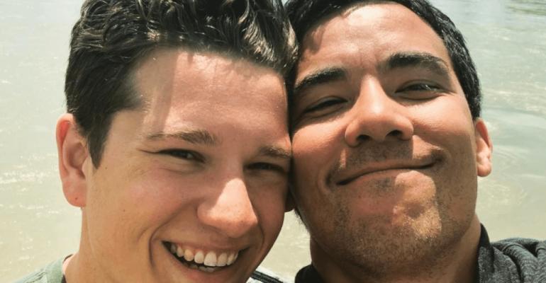 Le regole del delitto perfetto, Conrad Ricamora presenta il fidanzato Joshua Cockream – le foto