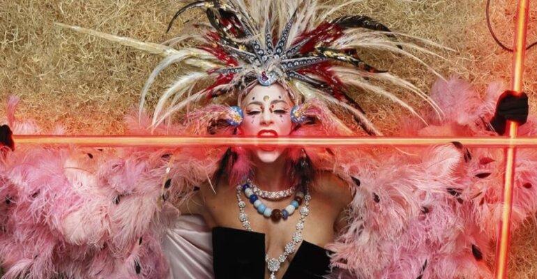 Lady Gaga celebra i suoi 10 anni su V Magazine con una  speciale cover