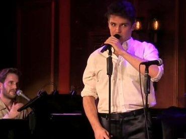 Ben Platt (Pitch Perfect) e Max Sheldon (Red Oaks) cantano Shallow – video