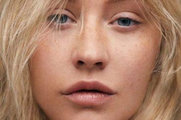 """Christina Aguilera molestata in passato da 'uomini più grandi': """"E' un'industria di lupi mannari"""""""