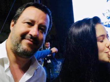 'Salvini un selfie?', e le due ragazze si baciano – la reazione del leghista è virale