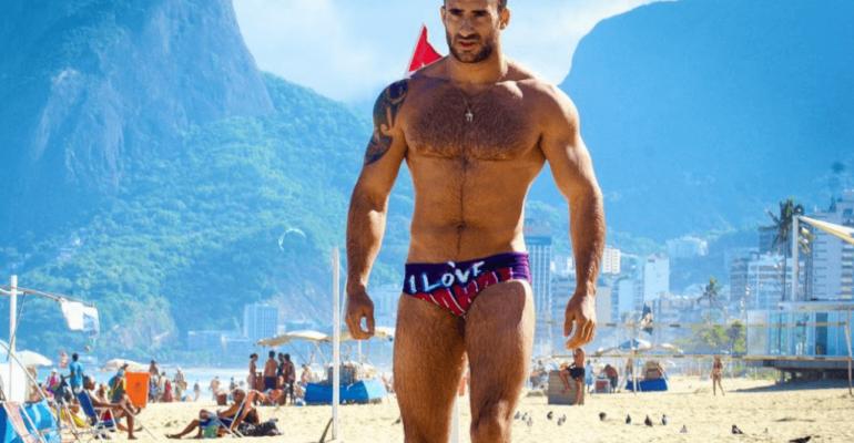 Eliad Cohen, è sexy doccia social – il video