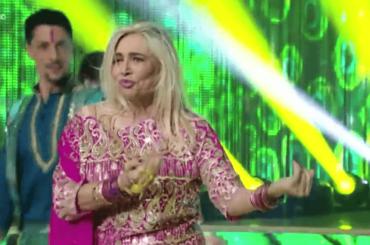 Mara Venier balla Jai Ho da The Millionaire, il video