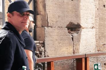 Ricky Martin turista al Colosseo, le foto