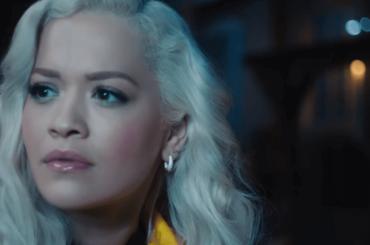 Rita Ora canta Carry On per Detective Pikachu, il video