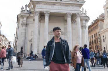 Jwan Yosef, il marito di Ricky Martin espone in Piazza del Popolo: dal 6 maggio