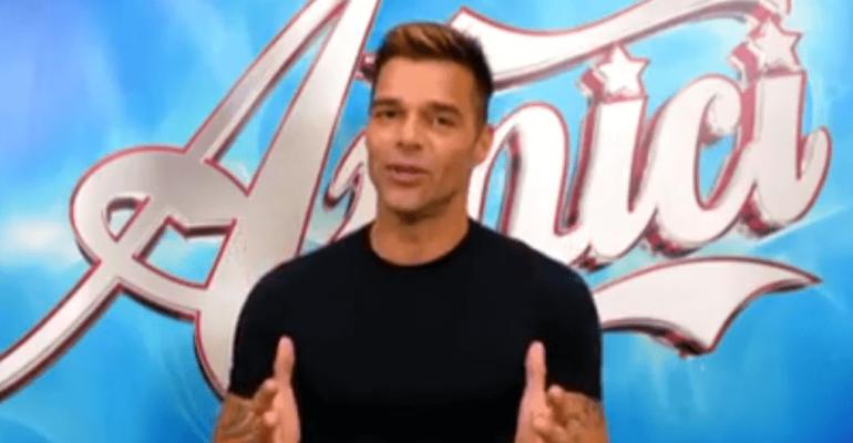 Amici 18, Ricky Martin annuncia la sua assenza per il serale di sabato – video
