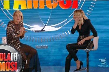 """Simona Ventura vs. Isola: """"Condurre non significa solo avere il copione e leggere un gobbo"""""""