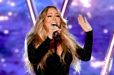 Mariah Carey ritira l'ICON Award e si concede un medley ai Billboard Music Awards – VIDEO