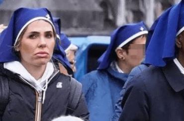 Ilary Blasi a Lourdes per servire i più bisognosi, le foto di CHI