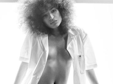 Indya Moore, bellissimo scatto con le mutande Calvin Klein da uomo⠀⠀⠀ per l'attrice transgender di Pose