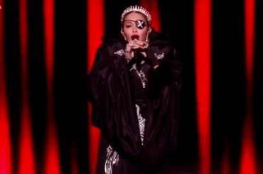 Eurovision 2019, Madonna live con Like a Prayer e Future – video